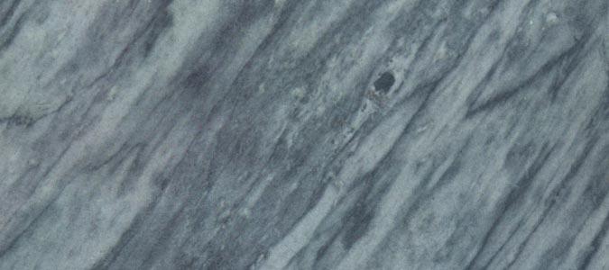 Pulizia dei pavimenti in marmo