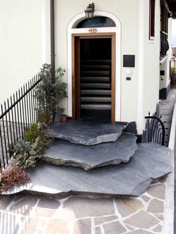 Il pavimento in ardesia per le scale - Piastrelle in ardesia ...