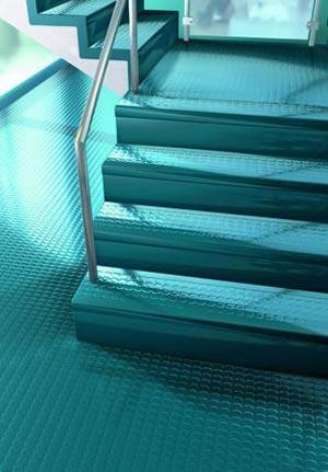 il pavimento delle scale in gomme e linoleum