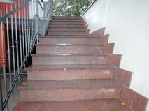 Il pavimento in porfido per le scale for Pavimenti per scale esterne