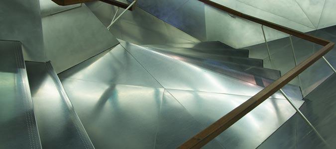 Tipi di materiali per il pavimento delle scale