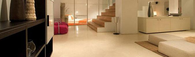 Le scale con pavimento spatolato